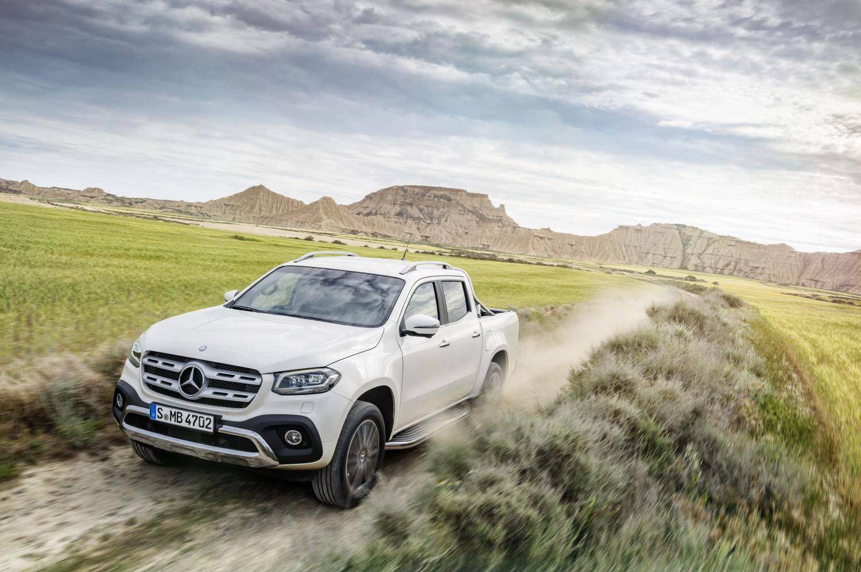 Mercedes-Benz снимает с производства пикап X-Class: стоит ли бежать за остатками