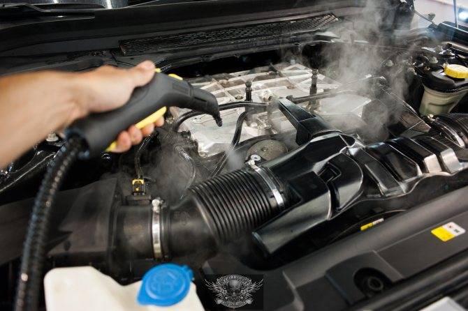 Можно ли мыть под капотом автомобиль керхером