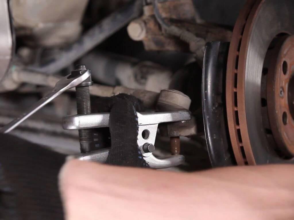 Наконечник рулевой тяги — что это такое? виды и особенности эксплуатации