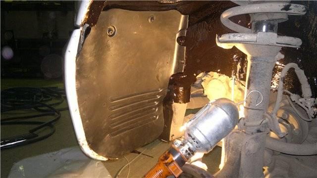 Mercedes vito w638 с пробегом: кузов обречен сгнить, зато салон и электрика радуют