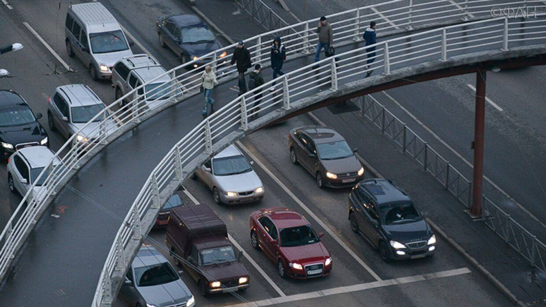На вторичке бум продаж: эксперты рассказали, почему в России стали чаще покупать авто с пробегом