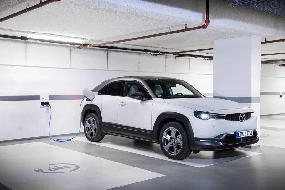 Mazda mx-30 ev 2021: первый серийный электромобиль