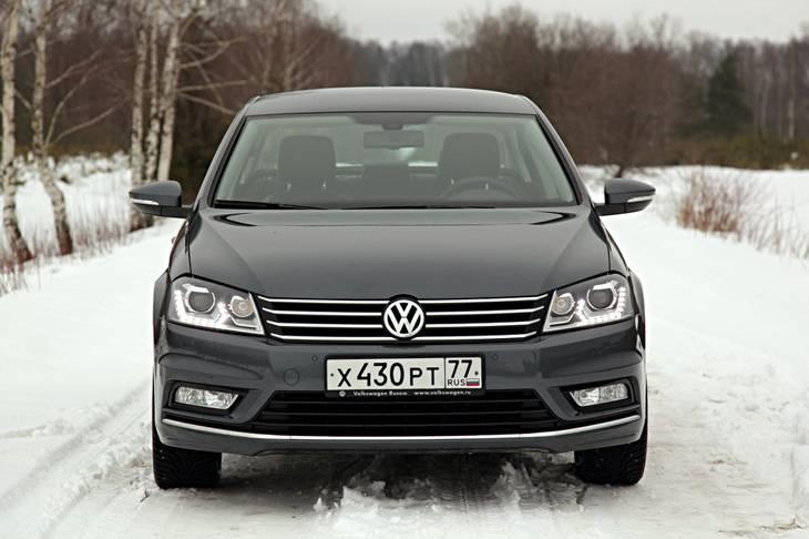 Volkswagen назвал цены и комплектации обновленного Passat