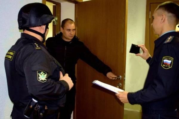 Арест машины судебными приставами за штрафы гибдд: при какой сумме долга допустим, могут ли изъять кредитный автомобиль, а также взыскания за неуплату алиментов uravto.com