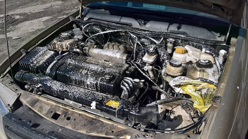 Мойка двигателя и подкапотного пространства керхером