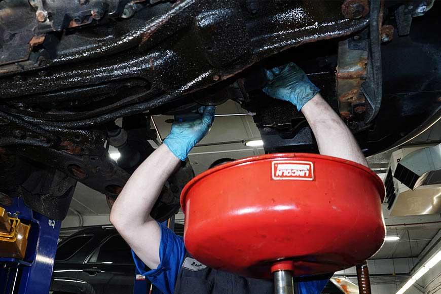Экспресс-замена масла в двигателе: как выполняется, преимущества и недостатки