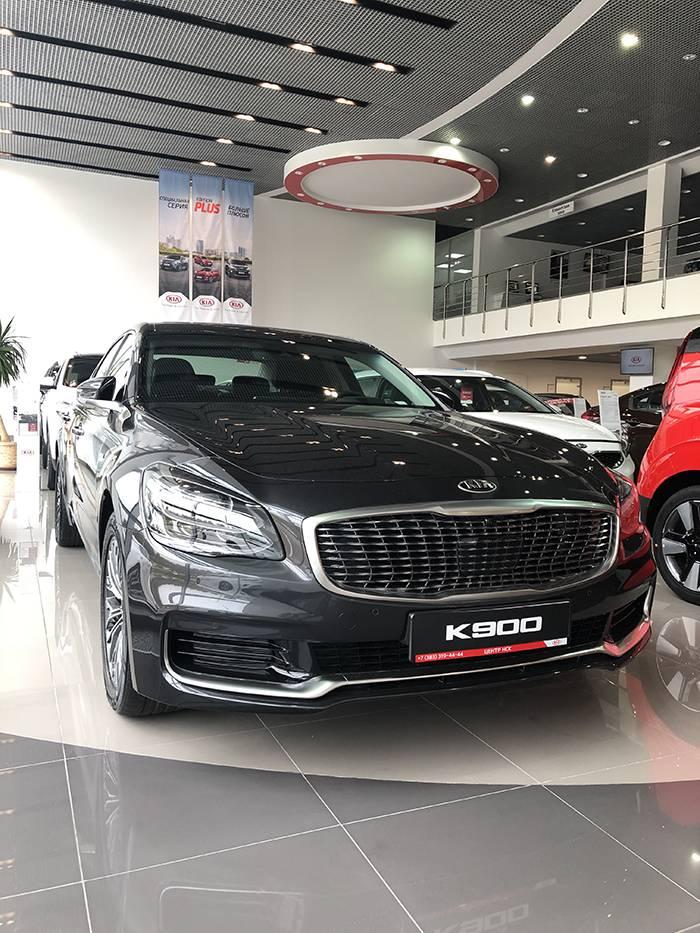 Корейский конкурент немецкому премиуму: обзор KIA K900 II поколения
