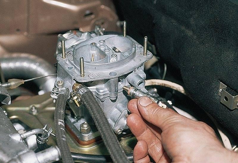 Машина дергается при движении на малых оборотах, инжектор и карбюратор - как отремонтировать ваз