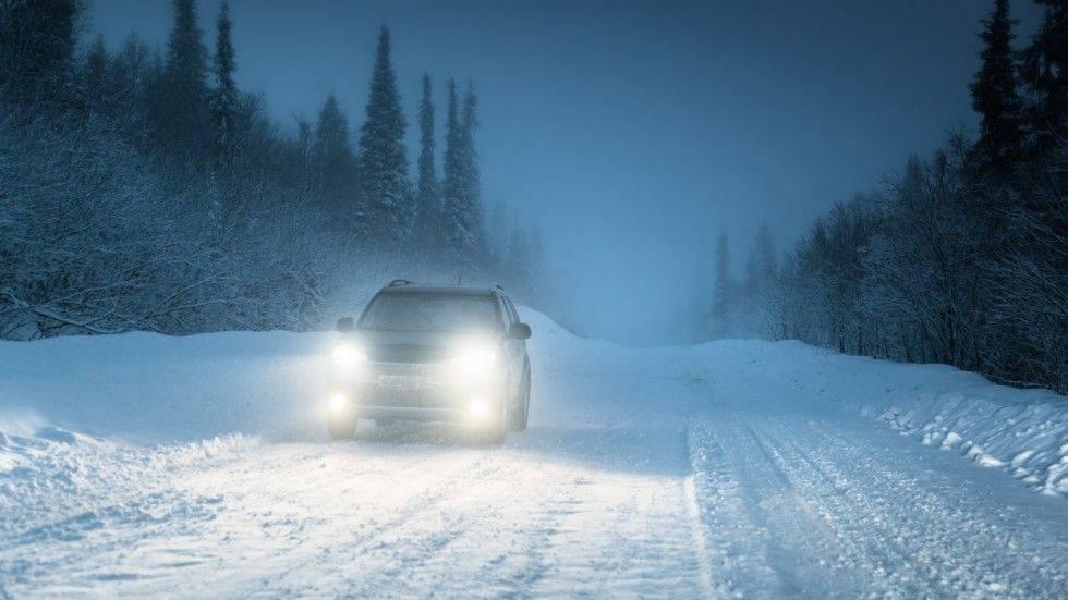 Вождение автомобиля зимой - полезные советы для водителей в опасных ситуациях на дорогах