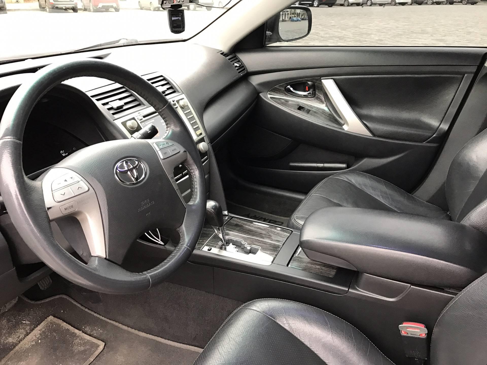 Средний или бизнес-класс: обзор Toyota Camry (XV40)