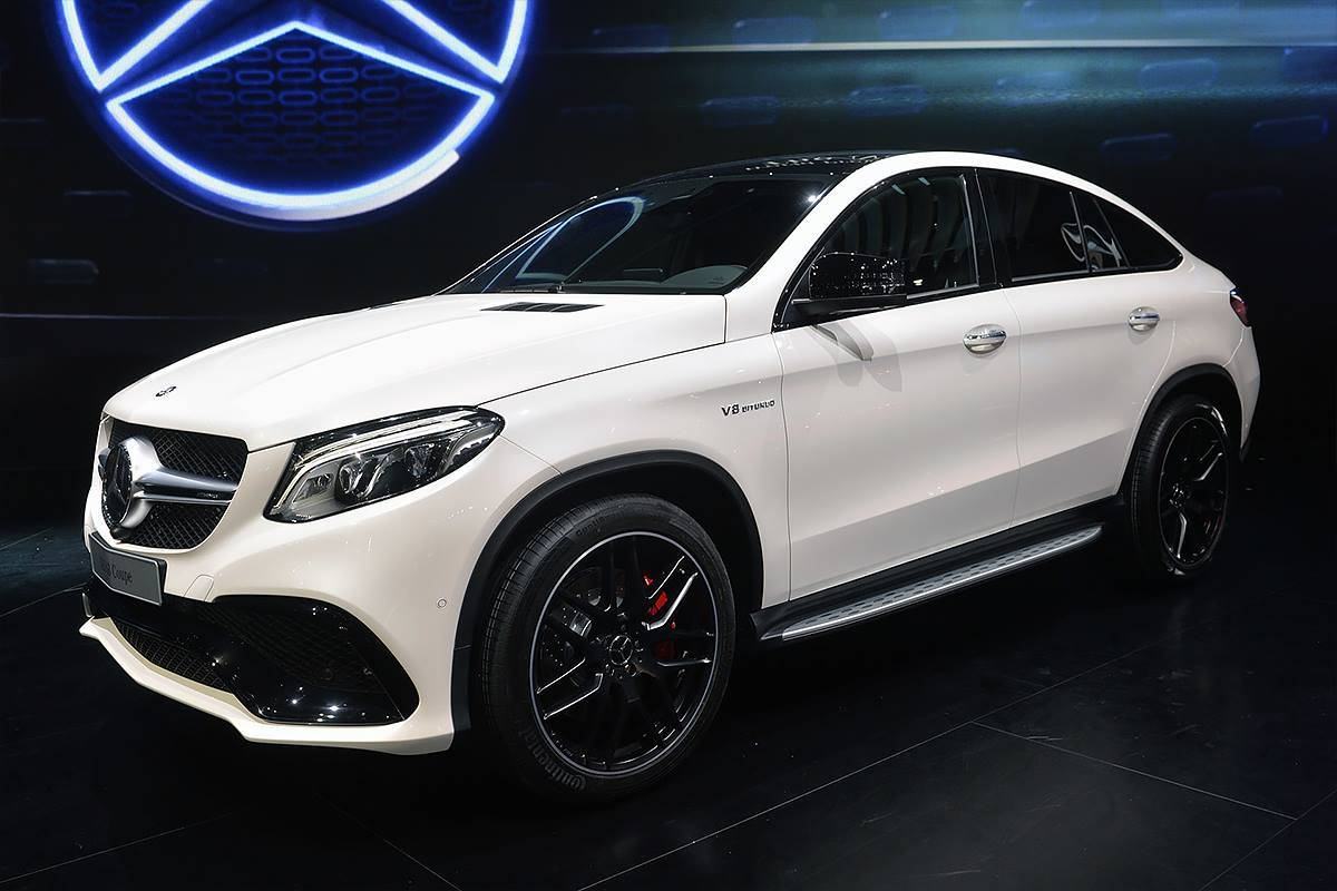 Mercedes представил супермощный купе-кроссовер GLE 63 Coupe