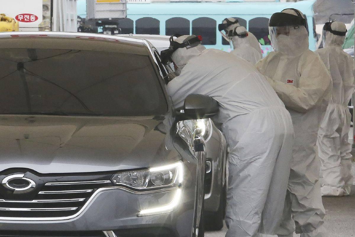 Бизнесмены закрывают автосалоны и распродают машины ниже себестоимости
