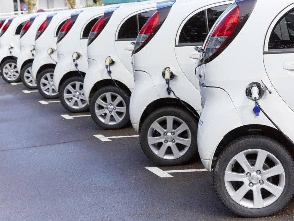 В кризис выросли продажи электрокаров с пробегом