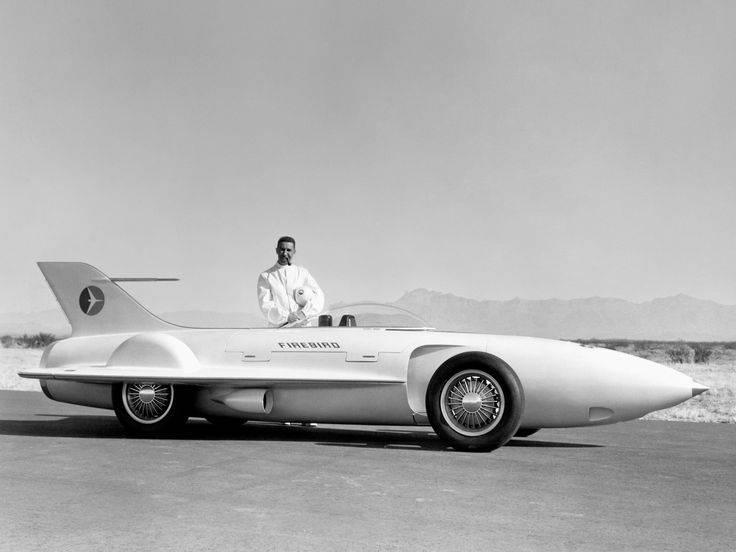6 легендарных автомобилей, которые далеко опередили свое время