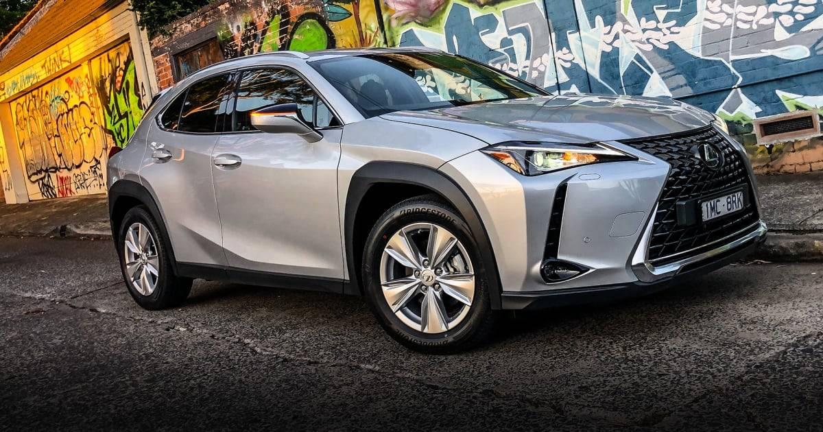 Премьера первого серийного электромобиля lexus ux 300e