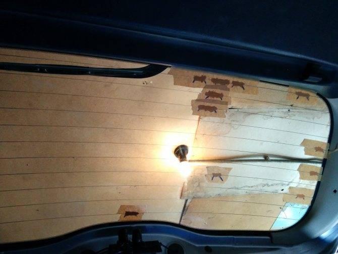 Почему не работает обогрев заднего стекла автомобиля? 5 причин и 3 варианта ремонта