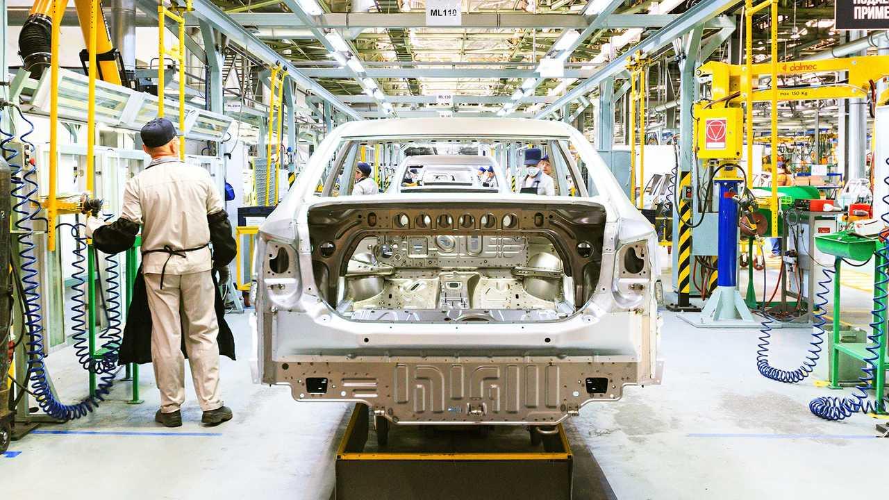 Nissan и Тойота остановили производство из-за коронавируса