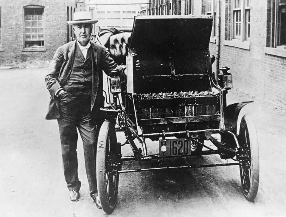 Первые автомобили: от игрушки для китайского императора до трёхколёсного экипажа карла бенца — этот вид транспорта навсегда изменил жизнь людей