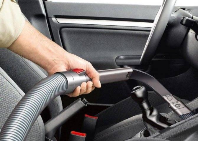 Машина бьет током при касании двери, ручника и других деталей: в чем причина, что делать