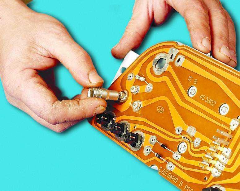 Не работает спидометр на приоре? знакомая проблемка