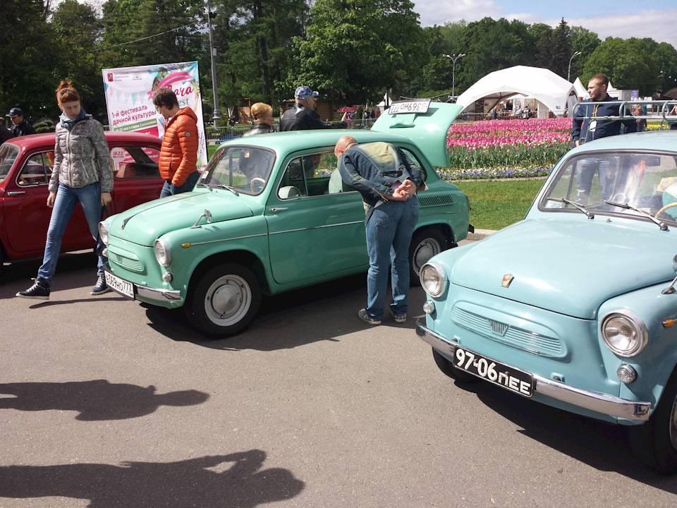 Олдтаймер-галерея: выставка старинных автомобилей и антиквариата в сокольниках