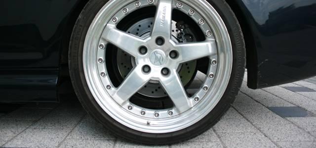 Особенности, преимущества и недостатки автомобильных низкопрофильных шин