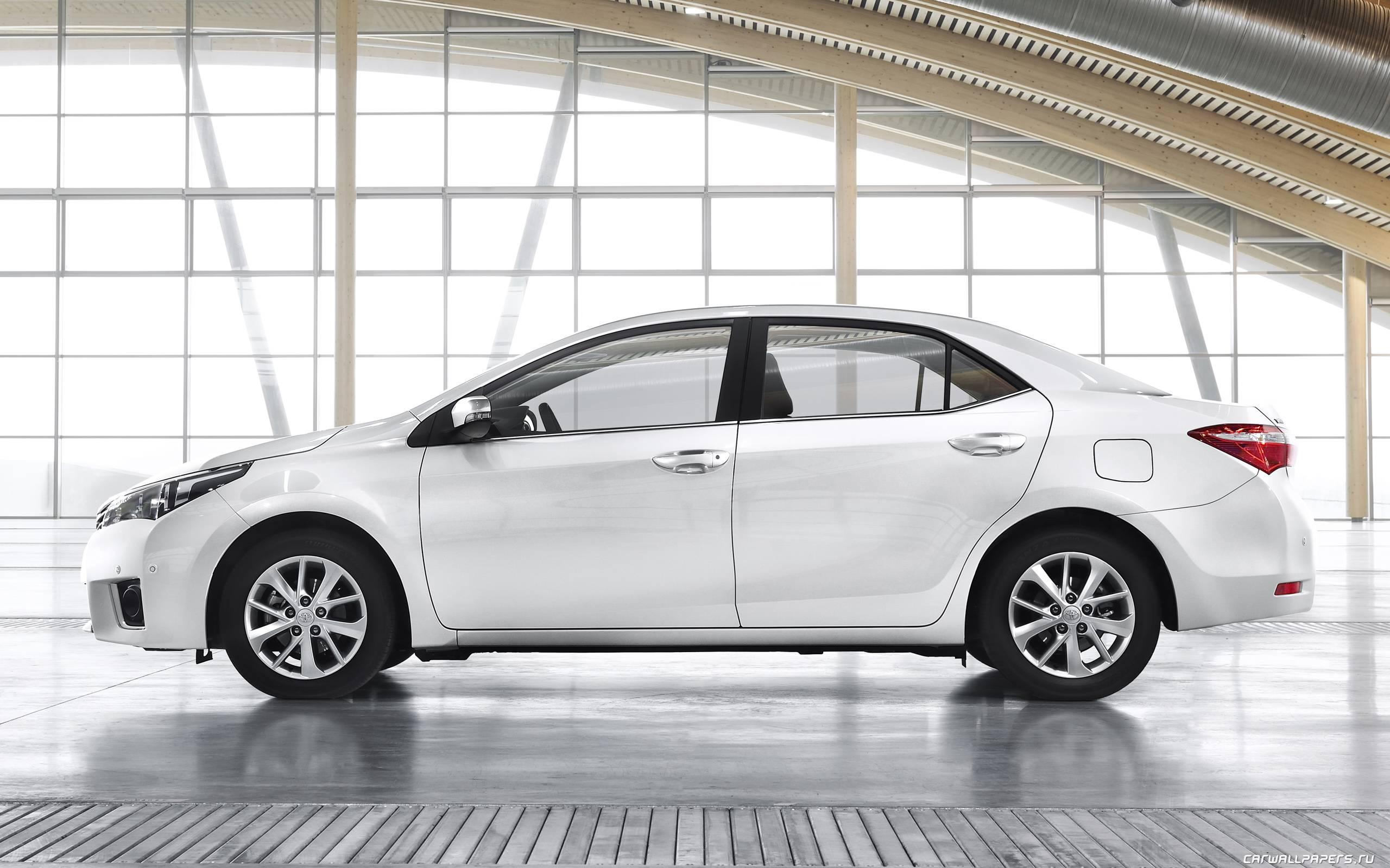 Обзор Toyota Corolla XI: как японцы потеряли позиции в России