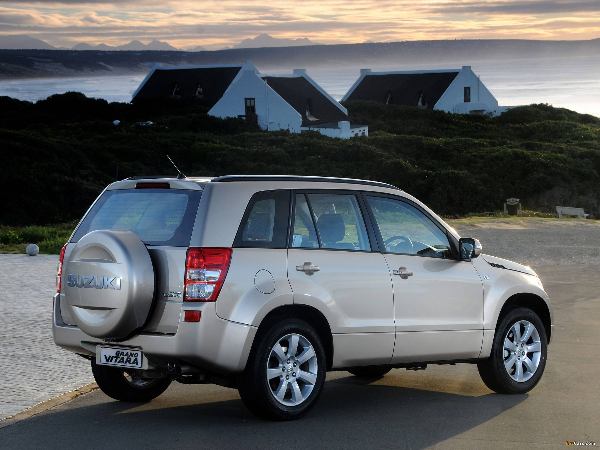 Обзор Suzuki Grand Vitara III: дорого ли содержать автомобиль