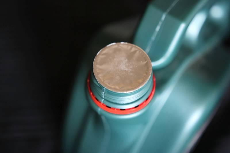 Износ под двойным замком: castrol представил моторное масло для езды в пробках