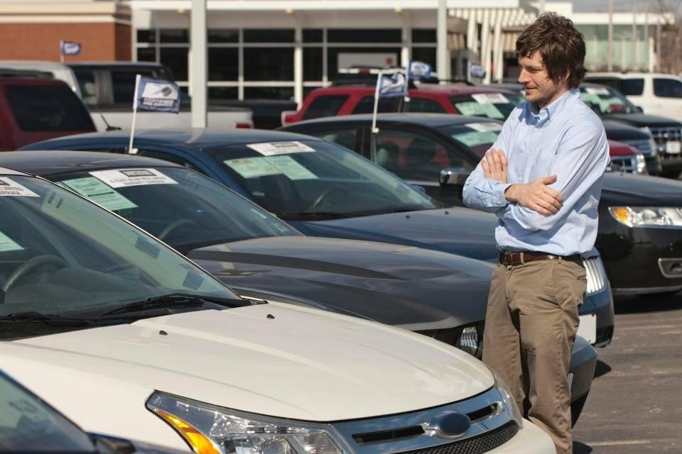 Советы: как проверять машину при покупке с рук