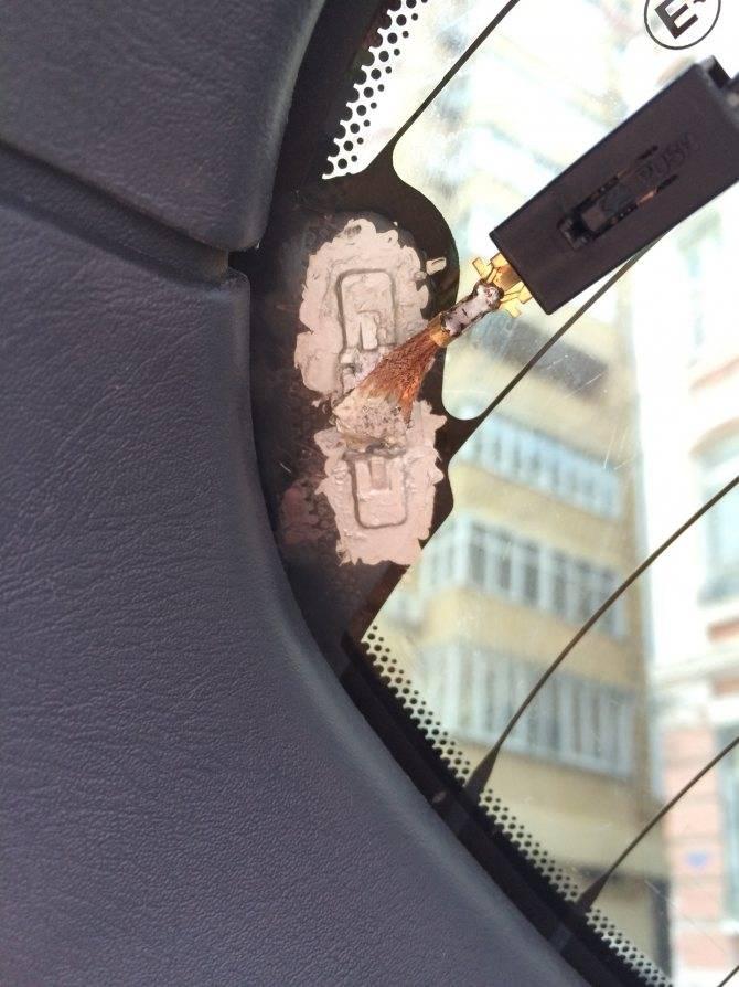 Удобный и недорогой ремонт нитей обогрева заднего стекла с помощью клея
