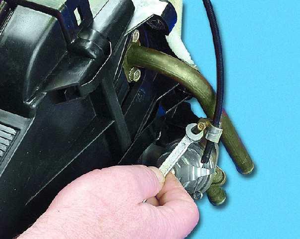 Как правильно поменять радиатор печки на ваз 2114 со снятием и установкой