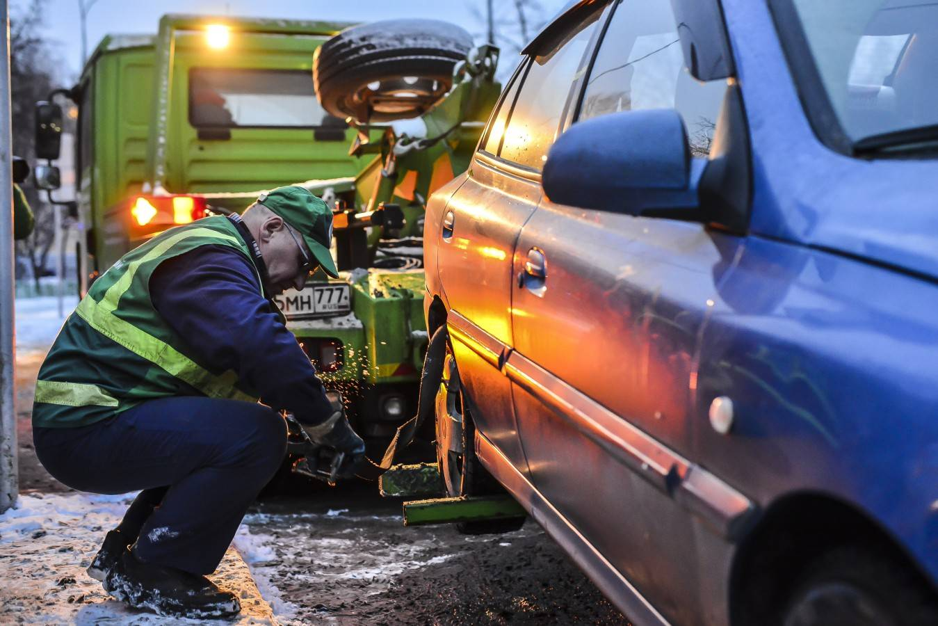 Экипажи ДПС начнут ловить автомобили с изношенными деталями