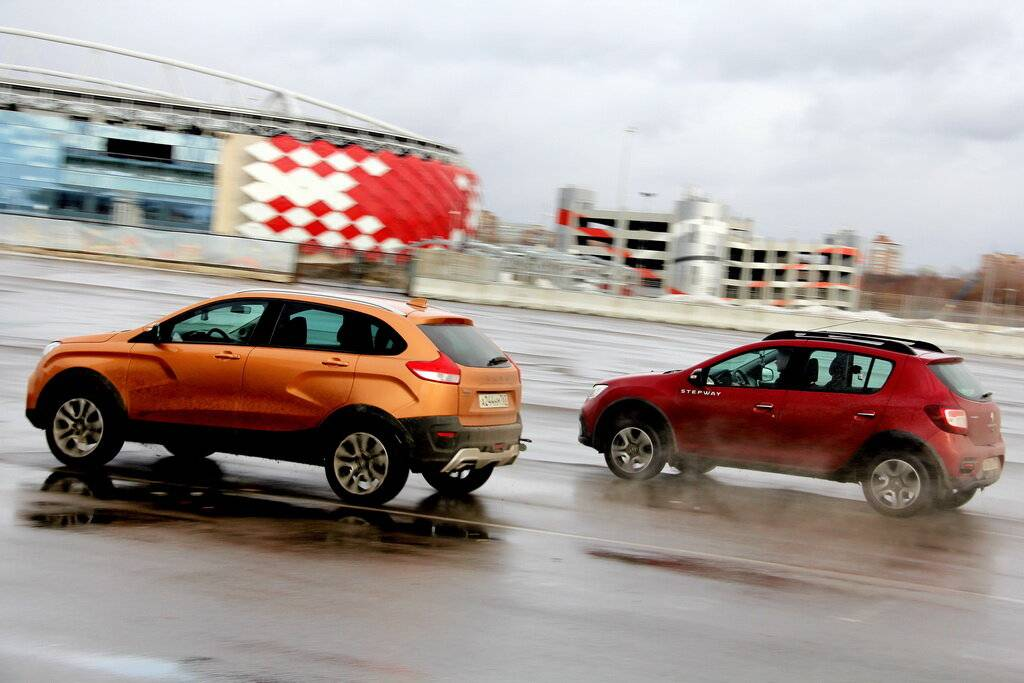 Вперед батьки: может ли LADA XRAY быть лучше Renault Sandero Stepway II