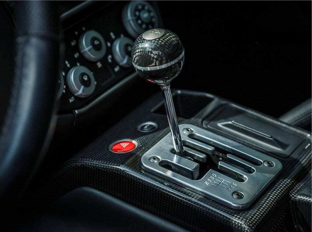 Механическая коробка передач против автоматической - что вы должны выбрать?