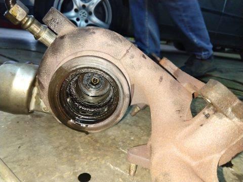 Основные признаки неисправности турбины двигателя авто и 3 причины выхода из строя турбокомпрессора.