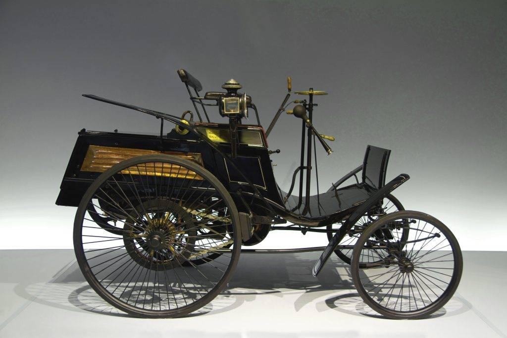 История первого автомобиля: от леонардо да винчи до мереседес и бенца