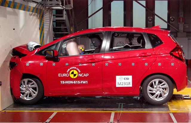 Самые безопасные авто при столкновении на дорогах