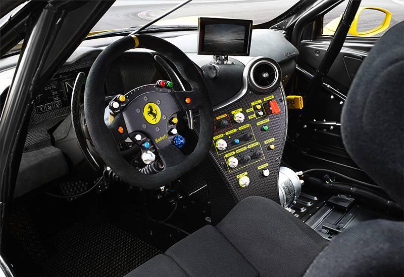 Ferrari будет использовать руль в виде джойстика как в компьютерных играх
