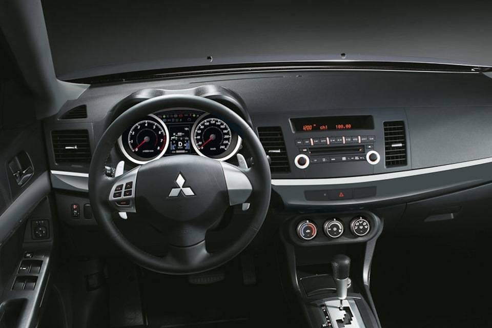 Lancer X: представитель размеренного поколения Mitsubishi