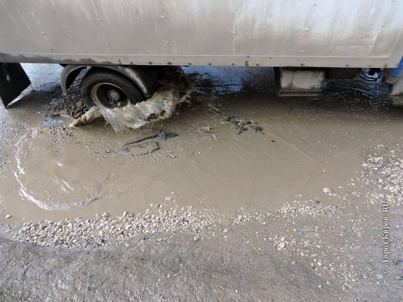 Можно ли получить с дорожников деньги за пробитое в яме колесо