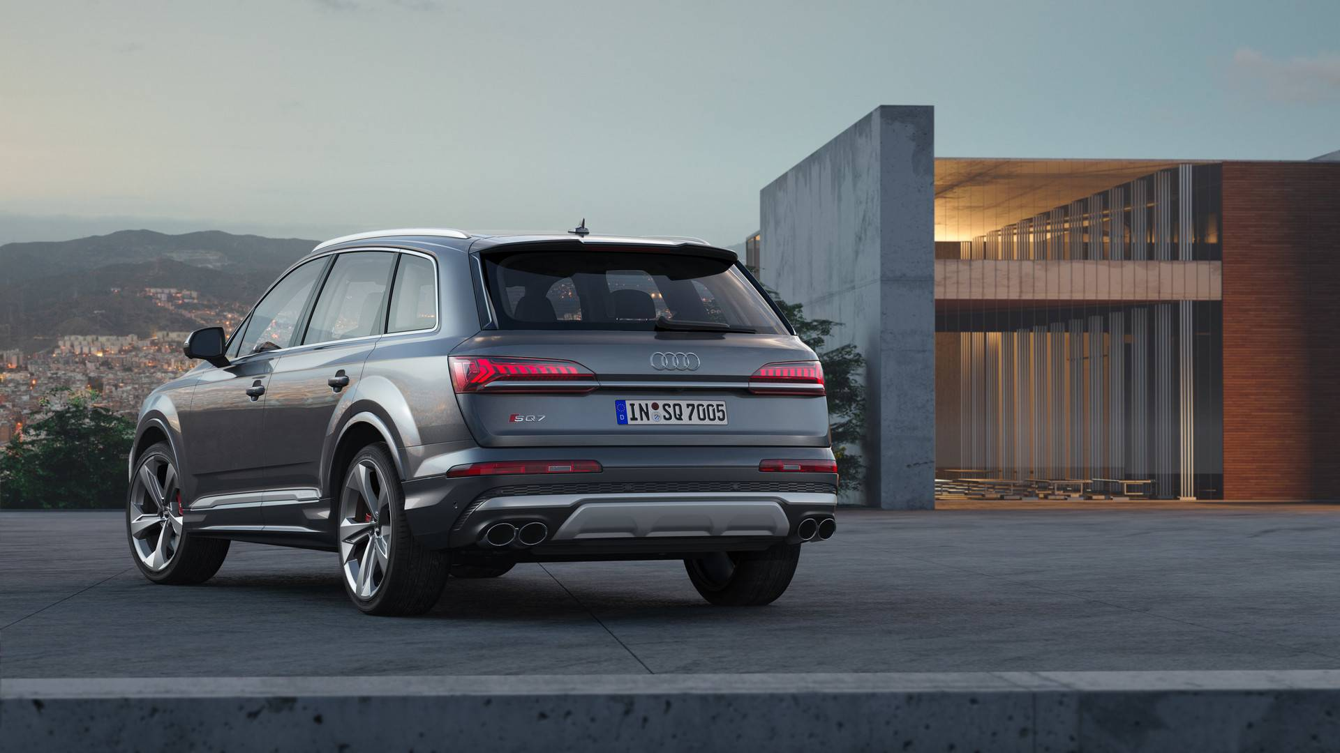 Обновленный Audi Q7 начал продаваться в России