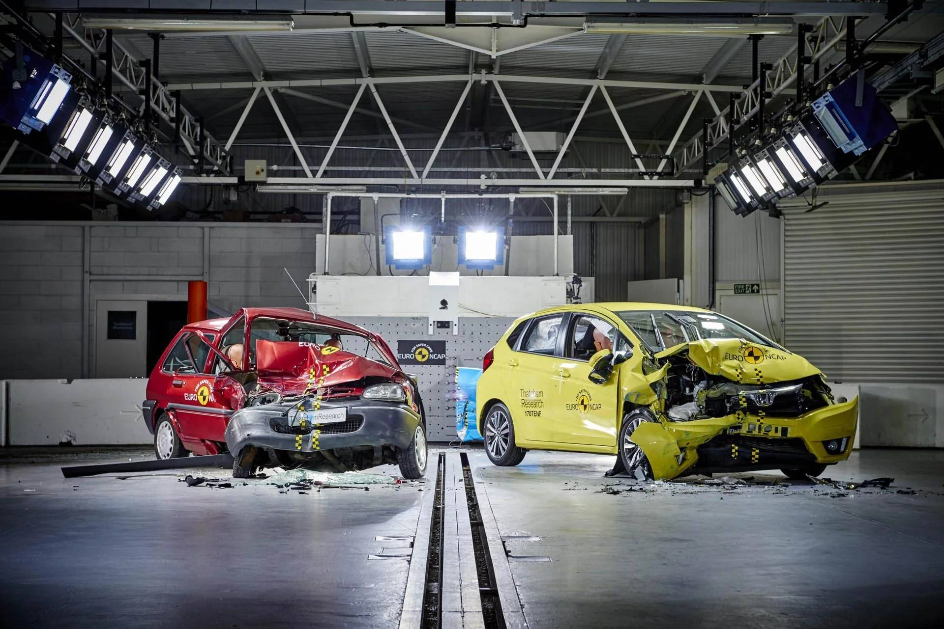 На чём лучше разбиться: сравниваем прочность авто разных лет