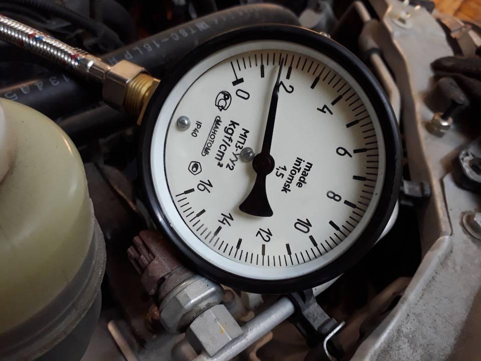 Давление масла в двигателе: причины, последствия и методы устранения «скачков»