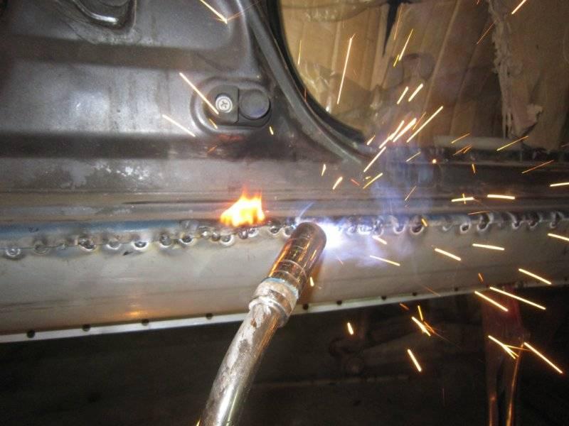 Сварка кузова автомобиля инвертором и электродом: подготовка металла и технология процесса